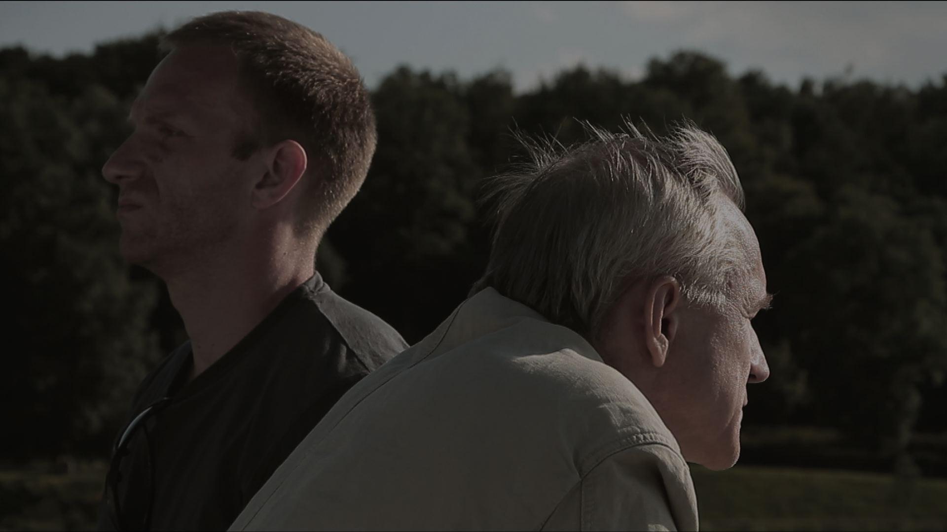 kadr z filmu De facto