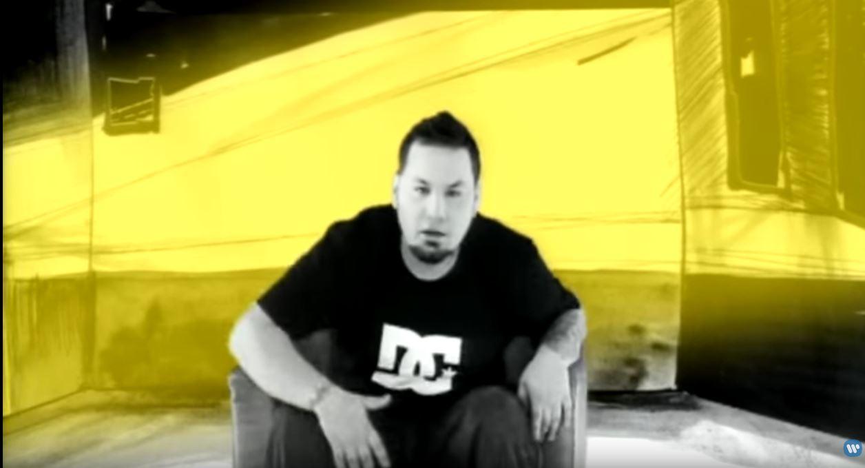 kadr z teledysku Jamal Słońca łan